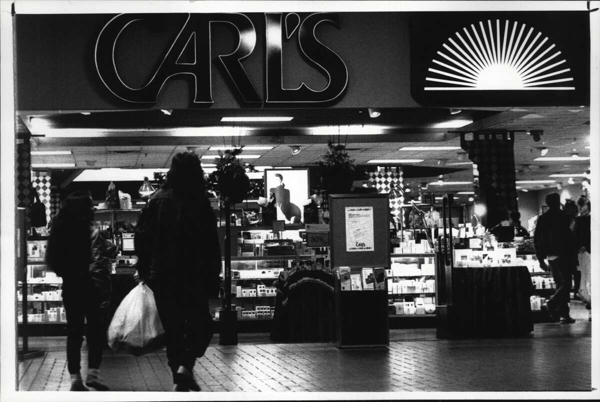 Entrance to Carl's department store, Uncle Sam Atrium mall, Troy, New York. December 19, 1990 (John Carl D'Annibale/Times Union Archive)