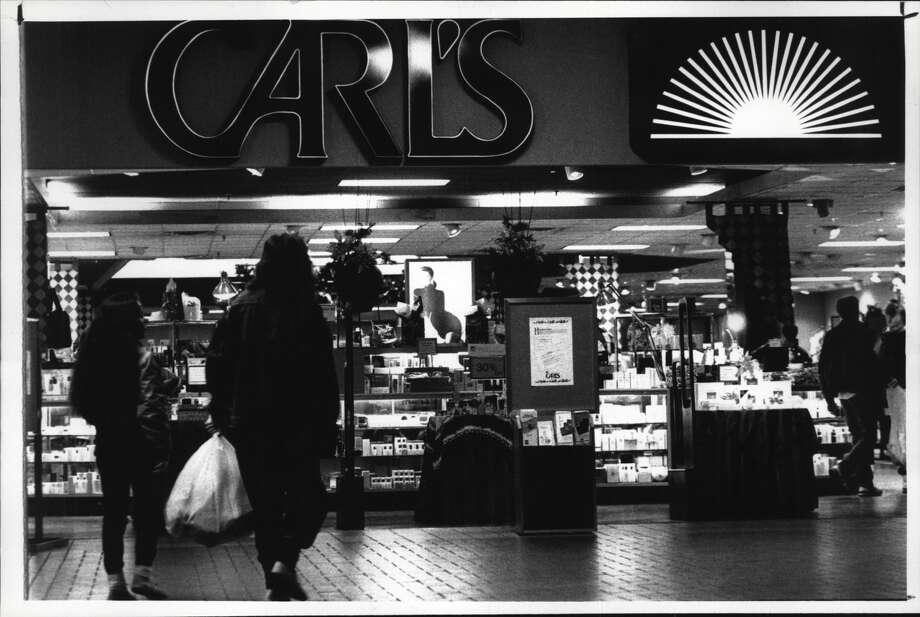 Entrance to Carl's department store, Uncle Sam Atrium mall, Troy, New York. December 19, 1990 (John Carl D'Annibale/Times Union Archive) Photo: John Carl D'Annibale/Times Union Historic Images / http://hipe.historicimages.com/images/tua/tua85922b.jpg