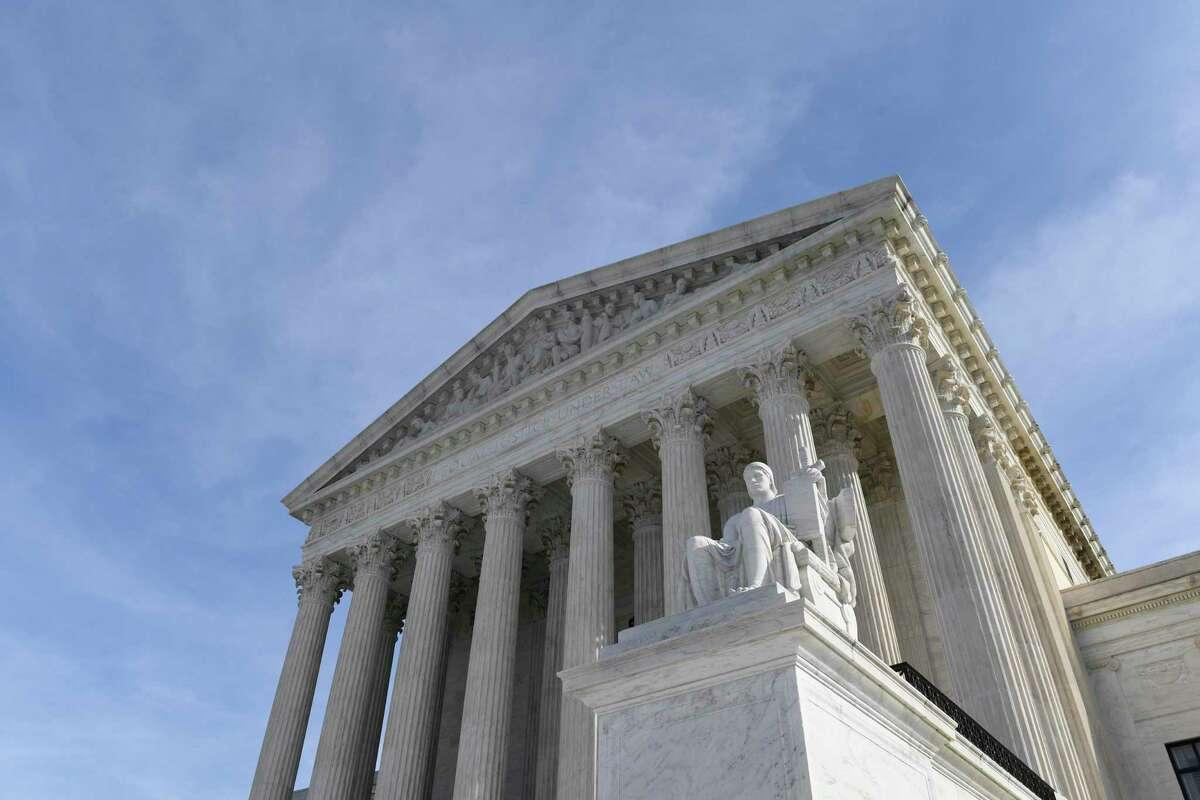 En esta fotografía de archivo del 11 de noviembre de 2019 se ve el recinto de la Corte Suprema de Estados Unidos, en Washington.
