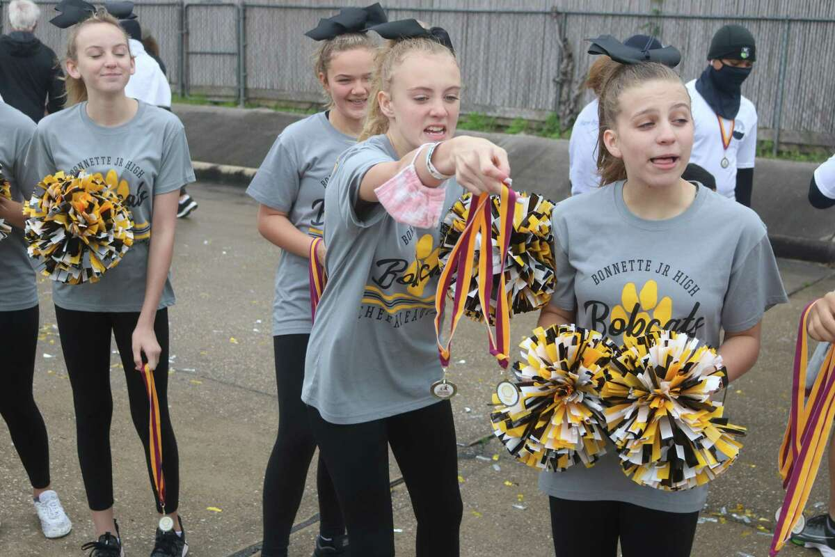 Bonnette Junior High cheerleaders did their part to greet the runners with a welcome they'll never forget.