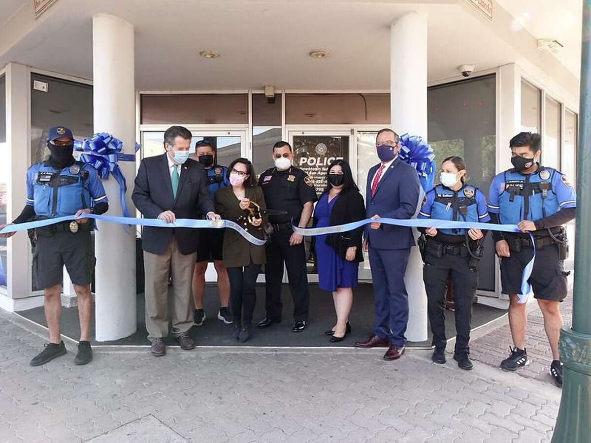 Laredo police held a ribbon cutting ceremony for the downtown police substation on Tuesday morning.