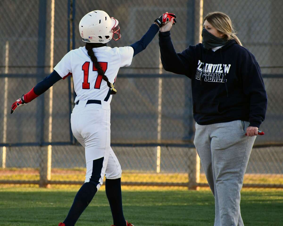 The Plainview softball team defeated Amarillo Caprock 5-1 in a District 3-5A contest on Tuesday at Lady Bulldog Park.