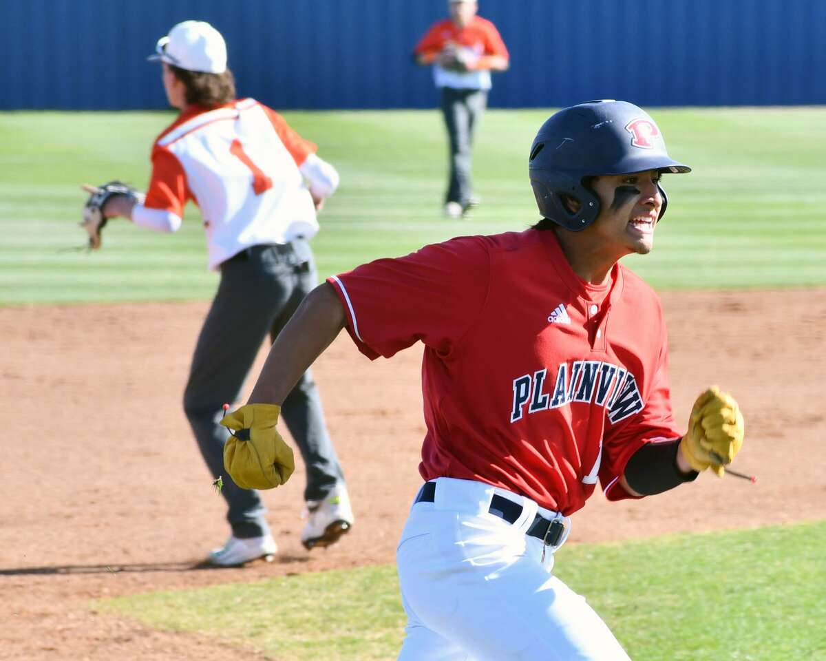 Tyler Rodriquez decided to change his batting gloves and bat in an effort to get the Bulldogs back on track. He went 4-for-4 with a triple and three RBIs.