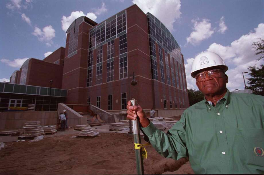 Charles Hines, president of Prairie View A&M University, in front of the university's new science building Tuesday, June 27, 2000. Photo: D. Fahlson, Staff File Photo / Houston Chronicle