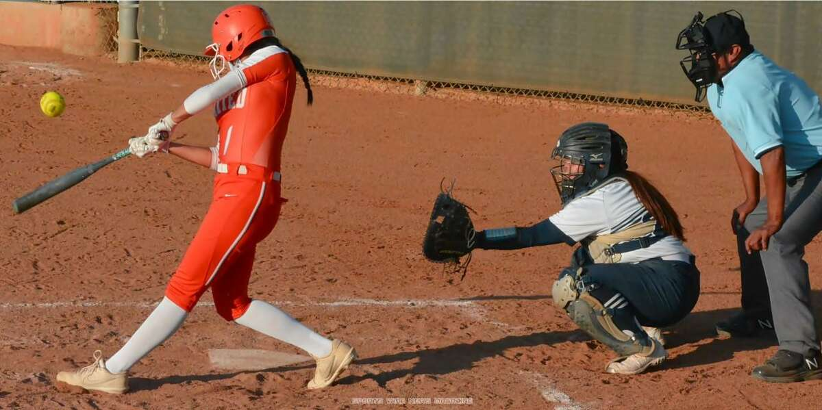 Galilea Pena and United beat rival Alexander 11-8 Wednesday at the SAC to secure the No. 3 seed in District 30-6A.