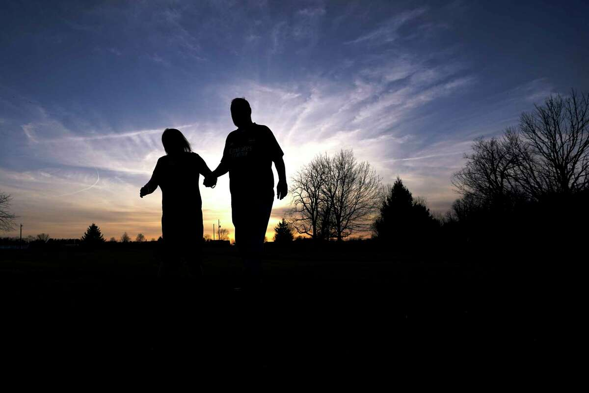 The couple that walks together talks together and maybe even holds hands together. And that, say researchers, can slow down the faster walker - to his or her health disadvantage.