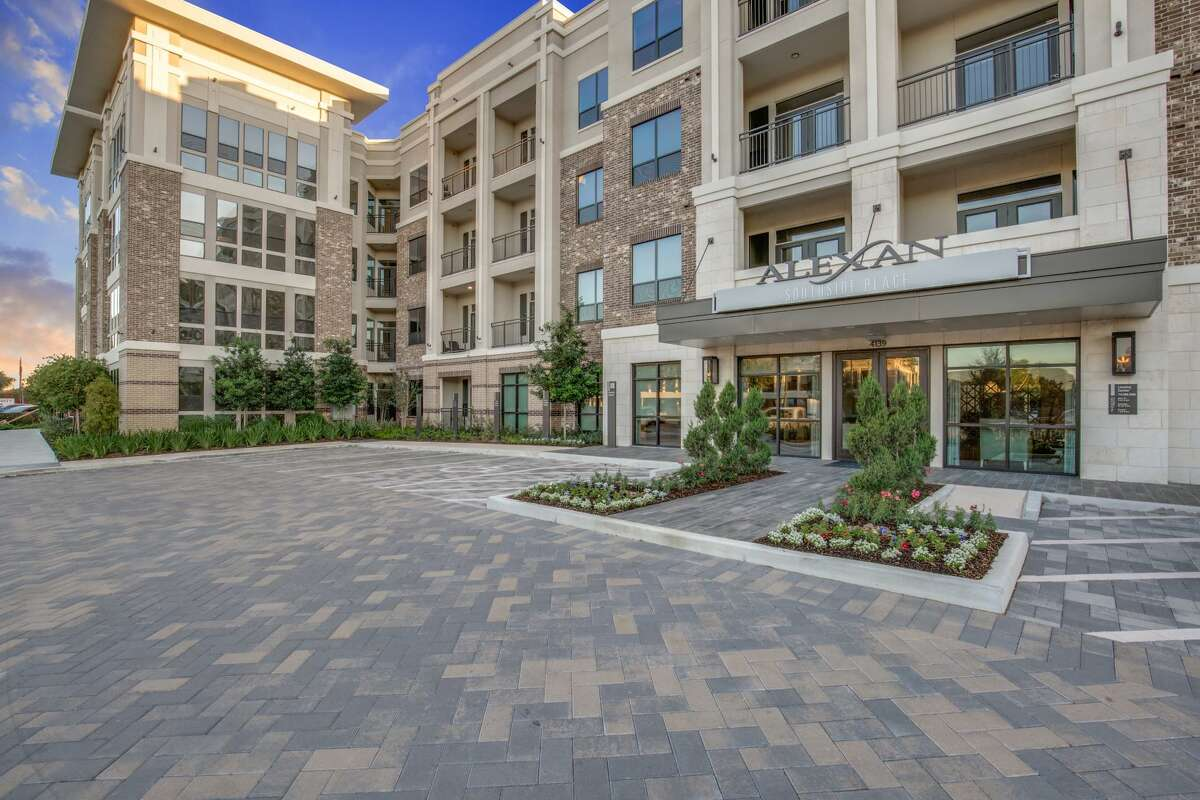 Madera Residential purchased Alexan Southside, a 270-unit complex at 4139 Bellaire Blvd. PCCP provided a $30 million senior loan to Madera for the acquisition.