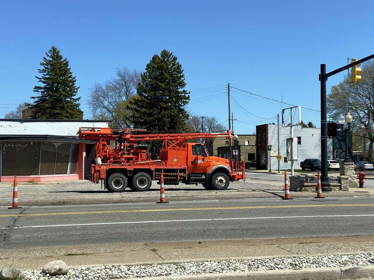 Lane closures on and near the U.S. 31 bascule bridge in Manistee will continue until April 29. (Erin Glynn/News Advocate)