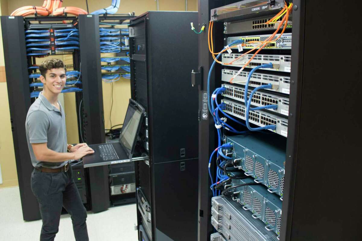 Laredo College is holding information sessions for its new Networking Technologies Associate in Applied Science Degree.