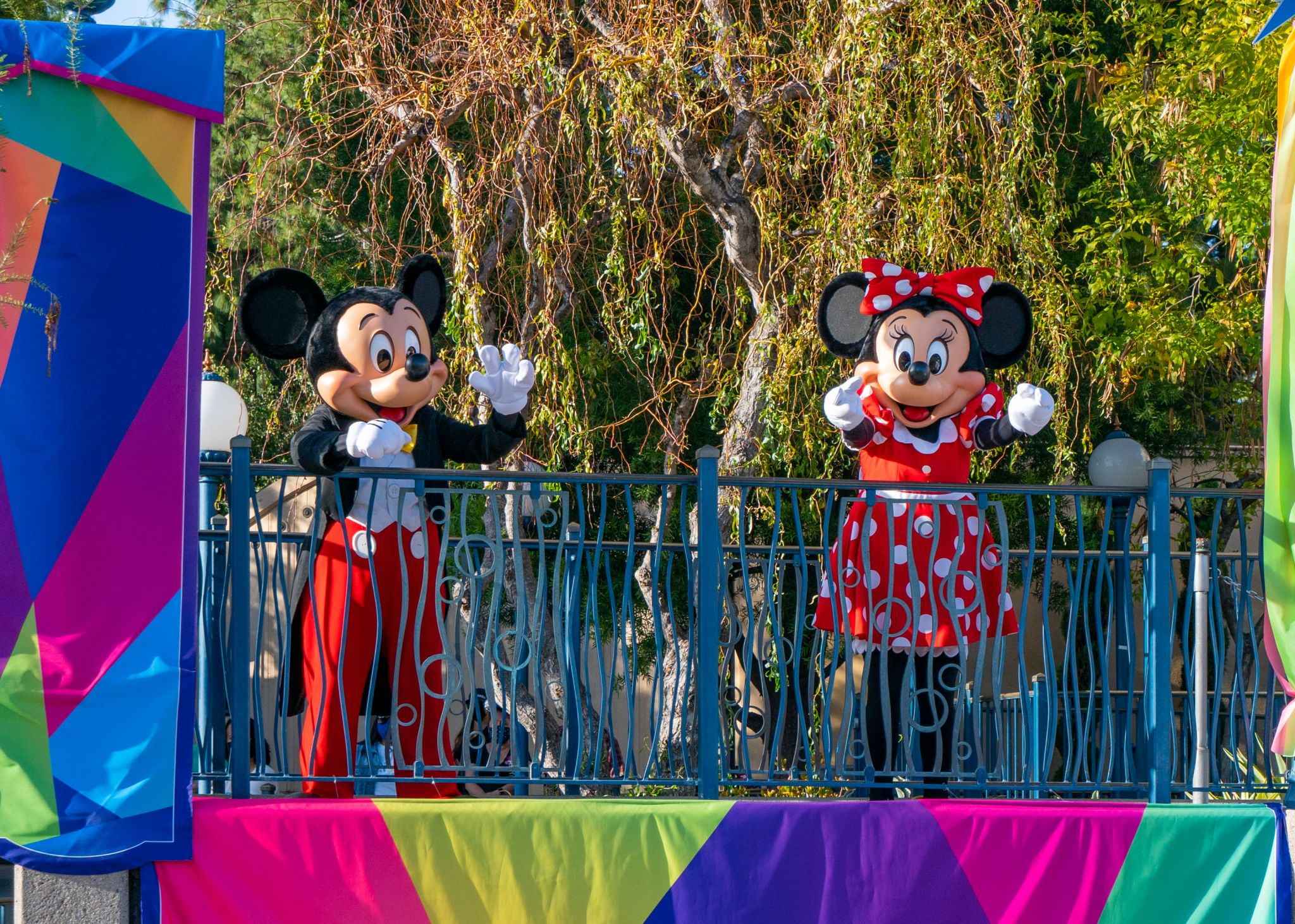 Disneyland can let in non-California residents, but won't yet
