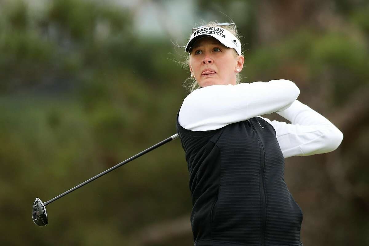 LOS ANGELES, CALIFORNIA - APRIL 22: Jessica Korda plays her shot at the 16th tee during round two of the HUGEL-AIR PREMIA LA Open at Wilshire Country Club on April 22, 2021 in Los Angeles, California. (Photo by Meg Oliphant/Getty Images)