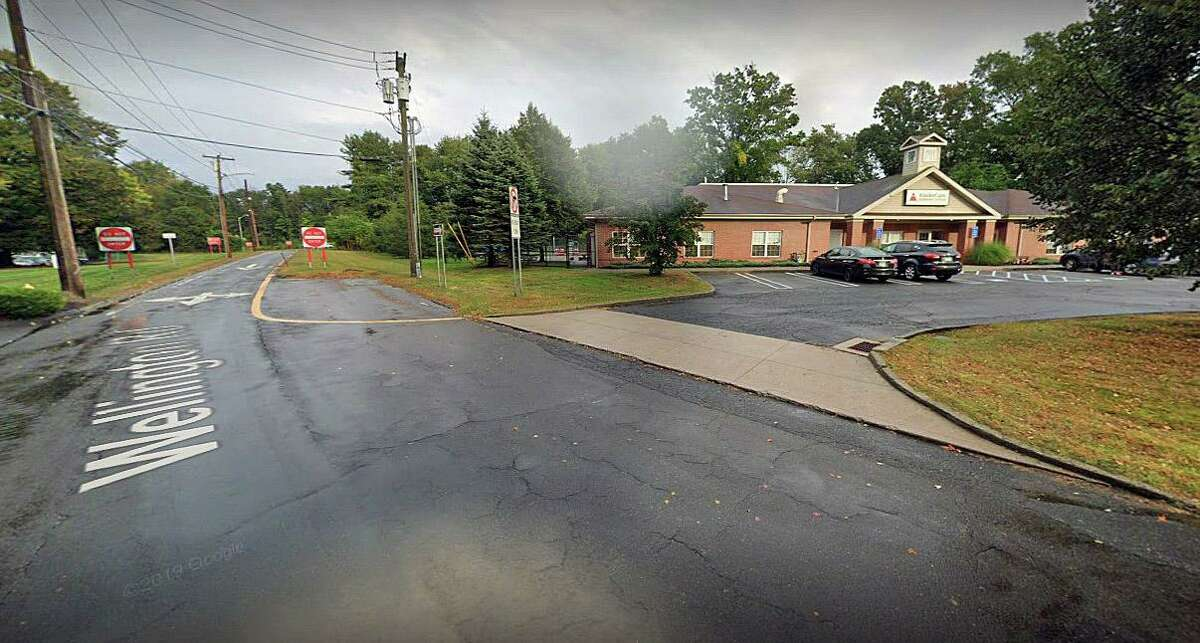 A screenshot from Google Streetview that shows KinderCare in Milford, Conn., and the Route 15 off-ramp.