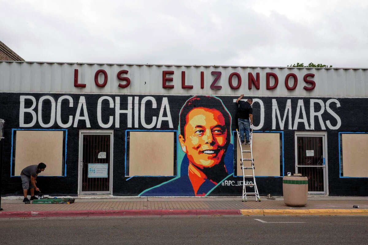 Alexandro Gonzalez-Hernandez paints a mural depicting Elon Musk in downtown Brownsville. The Mural will be part of a SpaceX themed pop-ip gallery exhibit.