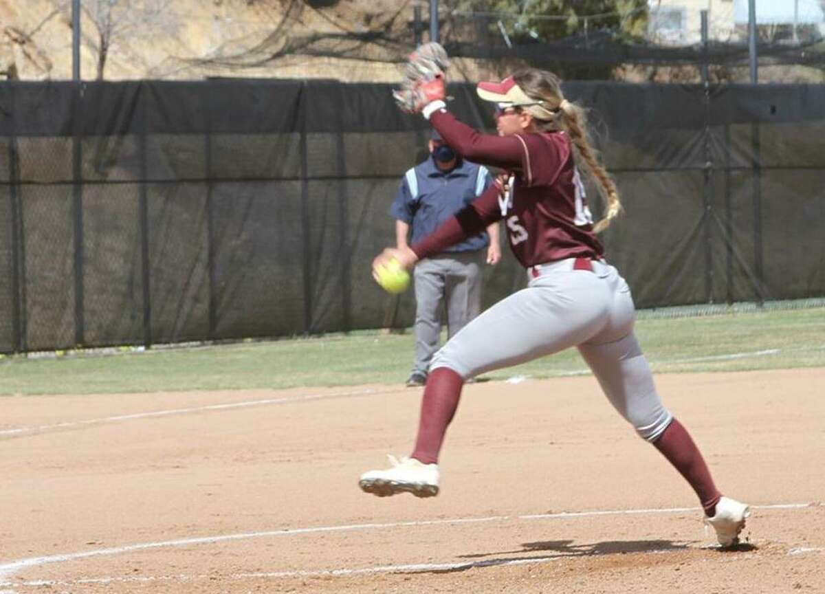 Chelsea Salinas and TAMIU split their doubleheader against Texas Woman's on Friday winning 3-2 in Game 1 before closing with a 6-3 loss.