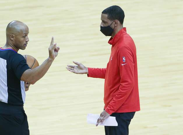 Houston Rockets head coach Stephen Silas talks to the referee in the fourth quarter of game action against the LA Clippers at the Toyota Center in Houston on Friday, April 23, 2021. LA Clippers won the game 109-104. Photo: Elizabeth Conley/Staff Photographer / © 2021 Houston Chronicle