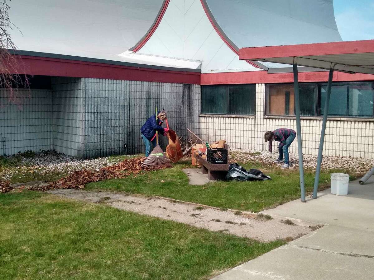 MCCOA staff works on the grounds at the Wagoner Community Center, while the Health Department takes over the facility for a vaccine clinic for the day. (Courtesy Photo/Jeanne Barber)