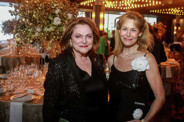 Beth Wolff, left, and Cheryl Byington at the Houston Symphony Wine Auction and Collector's Dinner on April 23, 2021. Photo: Gary Fountain, Contributor / Copyright 2021 Gary Fountain