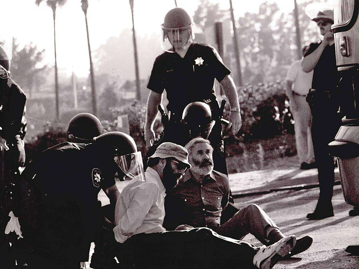 """North Bay animal rights activist Elliot Katz was a """"real trailblazer who liked being arrested,"""" anthropologist Jane Goodall said."""