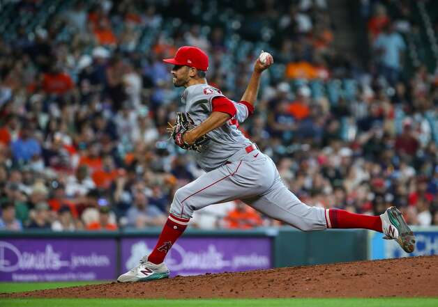 Los Angeles Angels relief pitcher Steve Cishek (40) throws against the Houston Astros during the fifth inning of an MLB game at Minute Maid Park on Saturday, April 24, 2021, in Houston. Photo: Godofredo A Vásquez/Staff Photographer / © 2021 Houston Chronicle