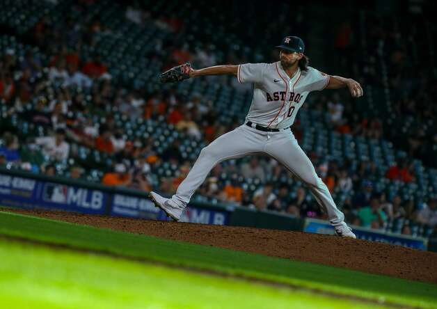 Houston Astros relief pitcher Kent Emanuel (0) throws against the Los Angeles Angels during the ninth inning of an MLB game at Minute Maid Park on Saturday, April 24, 2021, in Houston. The Astros won 16-2. Photo: Godofredo A Vásquez/Staff Photographer / © 2021 Houston Chronicle