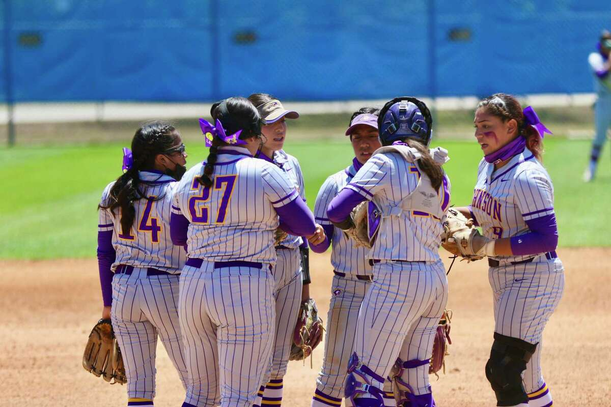 The Lady Wolves fell to Eagle Pass on Saturday in a District 30-6A playoff seeding game.