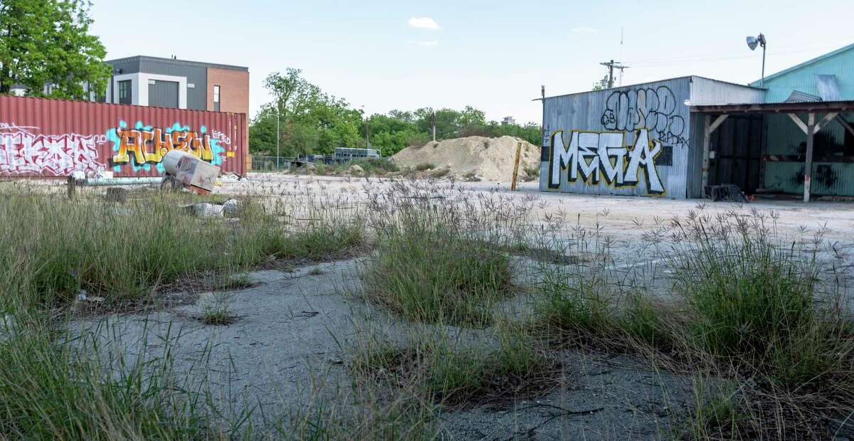 The property Urban Genesis LLC is seeking to rezone between West Grayson and East Locust streets for an apartment complex.