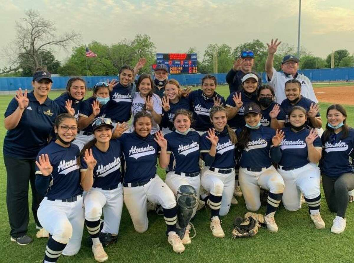 Alexander beat Del Rio 13-12 in a play-in game Monday in San Antonio to claim the fourth and final playoff berth in District 30-6A.