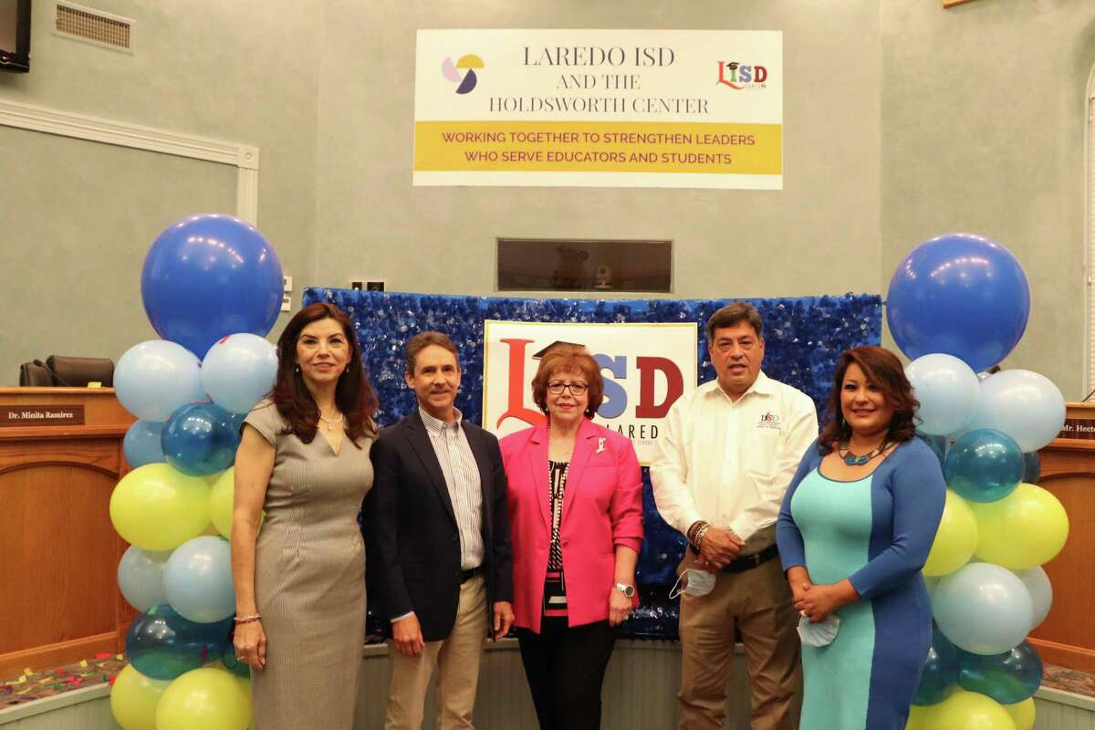 Laredo ISD officials on Monday celebrated the district's award of a five-year partnership with the Holdsworth Center Educational Leadership Institute.