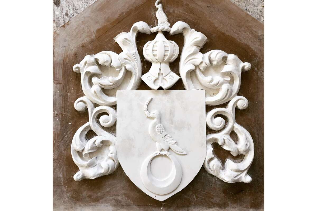 The late designer Jessica McClintock commissioned an individual coat of arms for Queen Anne's house on 2307 Broadway.