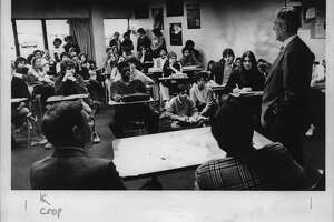 Albany, New York - Sol Greenberg talking to Albany High School students during law week program at the school. April 17, 1981 (Times Union Archive)