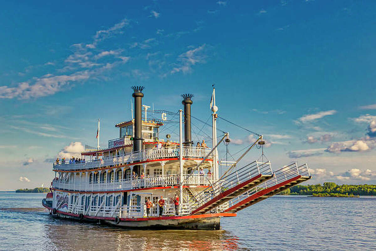 The Spirit of Peoria paddlewheel cruises resume again in May on the Mississippi and Illinois rivers. Sightseeing and lunch tours are planned in Grafton, as well as five St. Louis-Grafton full-day cruises.