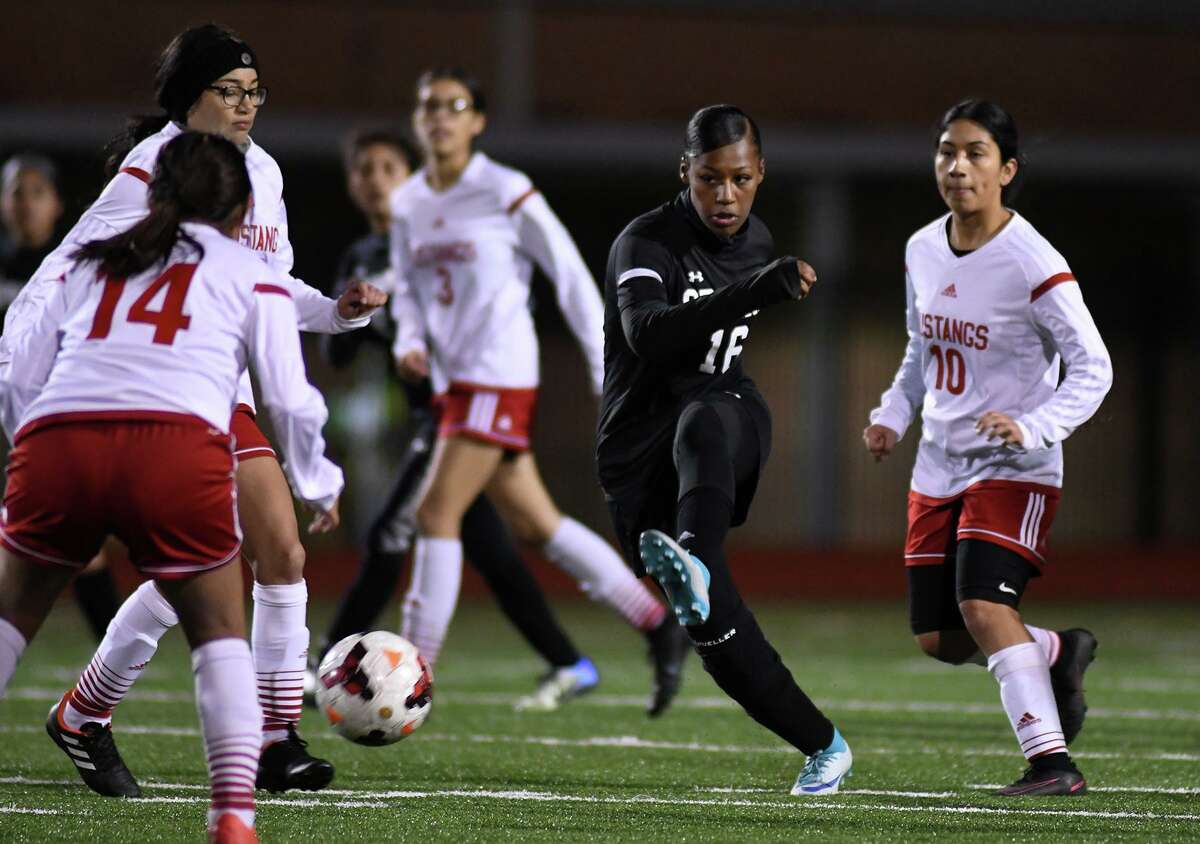 Spring and Aldine ISD girls soccer coaches released the All-District 14-6A teams following the conclusion of each team's 2020-21 regular season and postseason. Earning first team honors was Spring's Elise Watson (16) who was selected to the team alongside three teammates.
