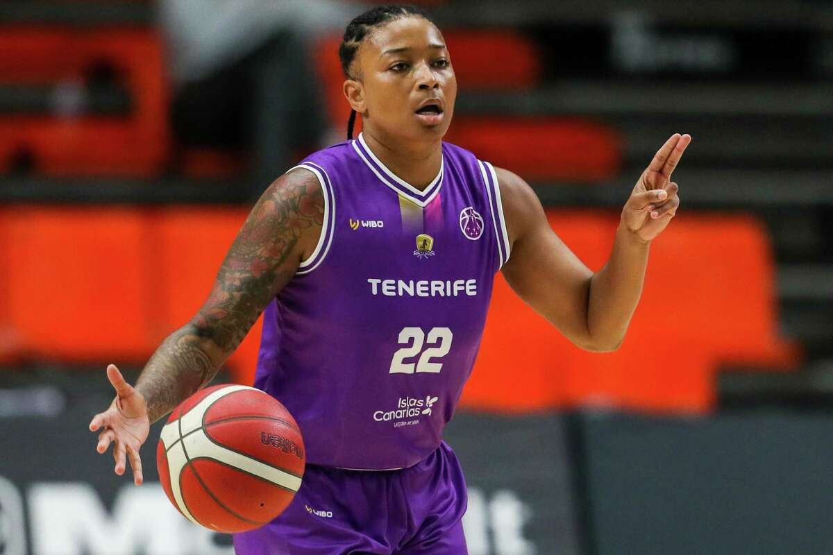 Clarinos' Tanaya Atkinson, a New Haven native, plays during a Women EuroCup, Group F game against Lointek Gernika KESB in Valencia, Spain in January.