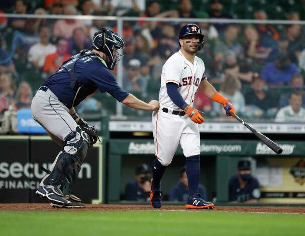Houston Astros Jose Altuve (27) strikes out against Seattle Mariners starting pitcher Yusei Kikuchi during the sixth inning of an MLB baseball game at Minute Maid Park, Thursday April 29, 2021, in Houston. Photo: Karen Warren, Staff Photographer / @2021 Houston Chronicle