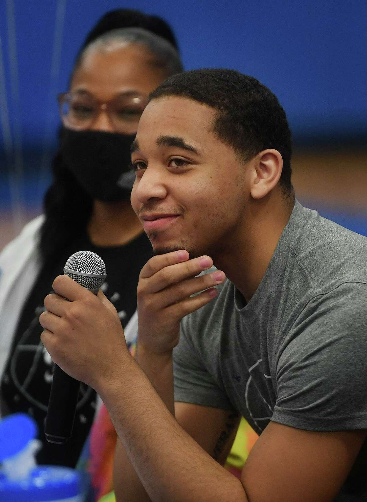 Former Bunnell basketball player Maximus Edwards thanks family, players, and coaches before signing his National Letter of Intent to attend Kansas State on Thursday.