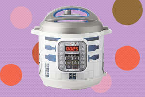Instant Pot Star Wars™ Duo™ 6-Qt. Pressure Cooker, R2-D2  for $59.98 at Amazon