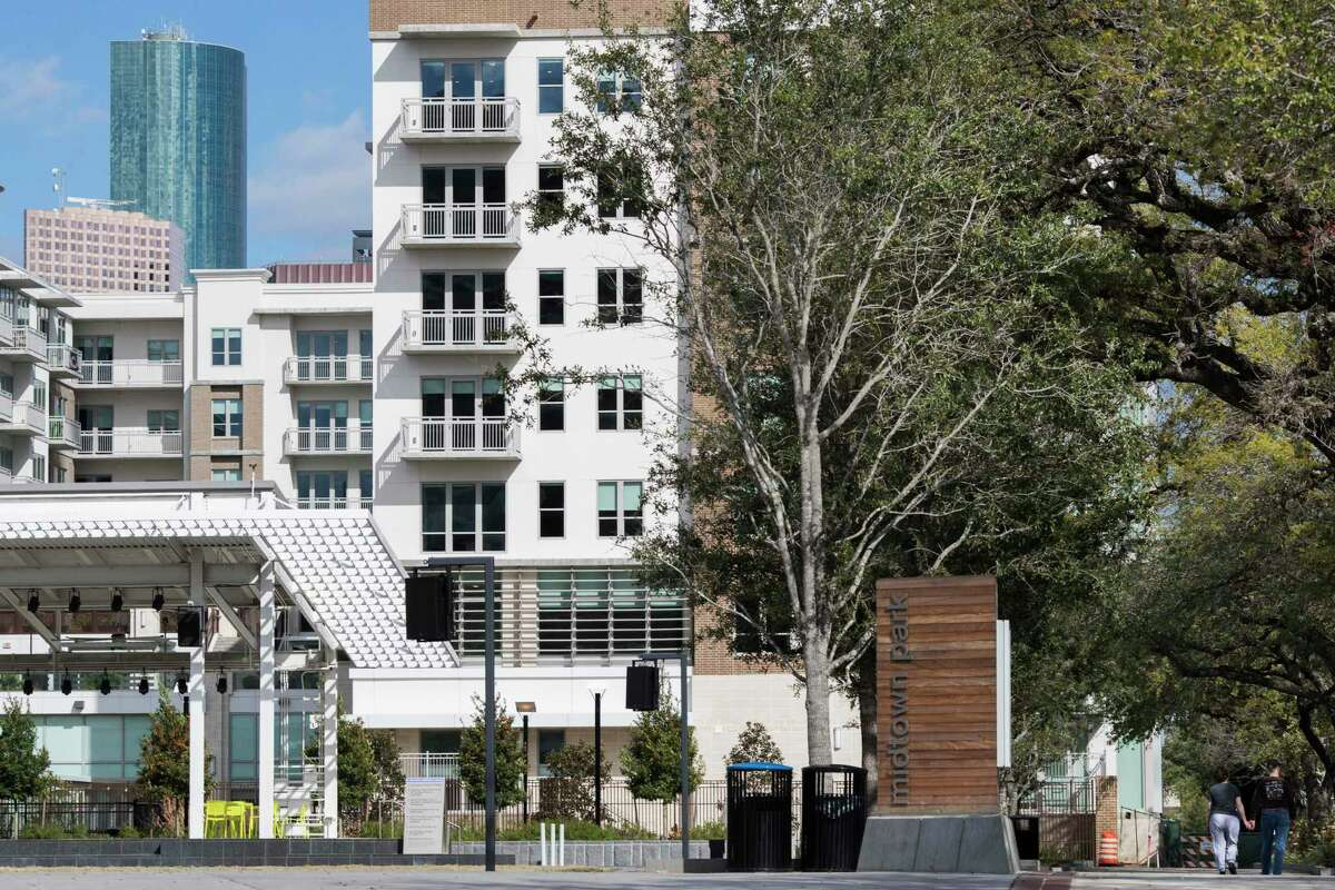 Camden McGowen Station Apartments by the Midtown Park.
