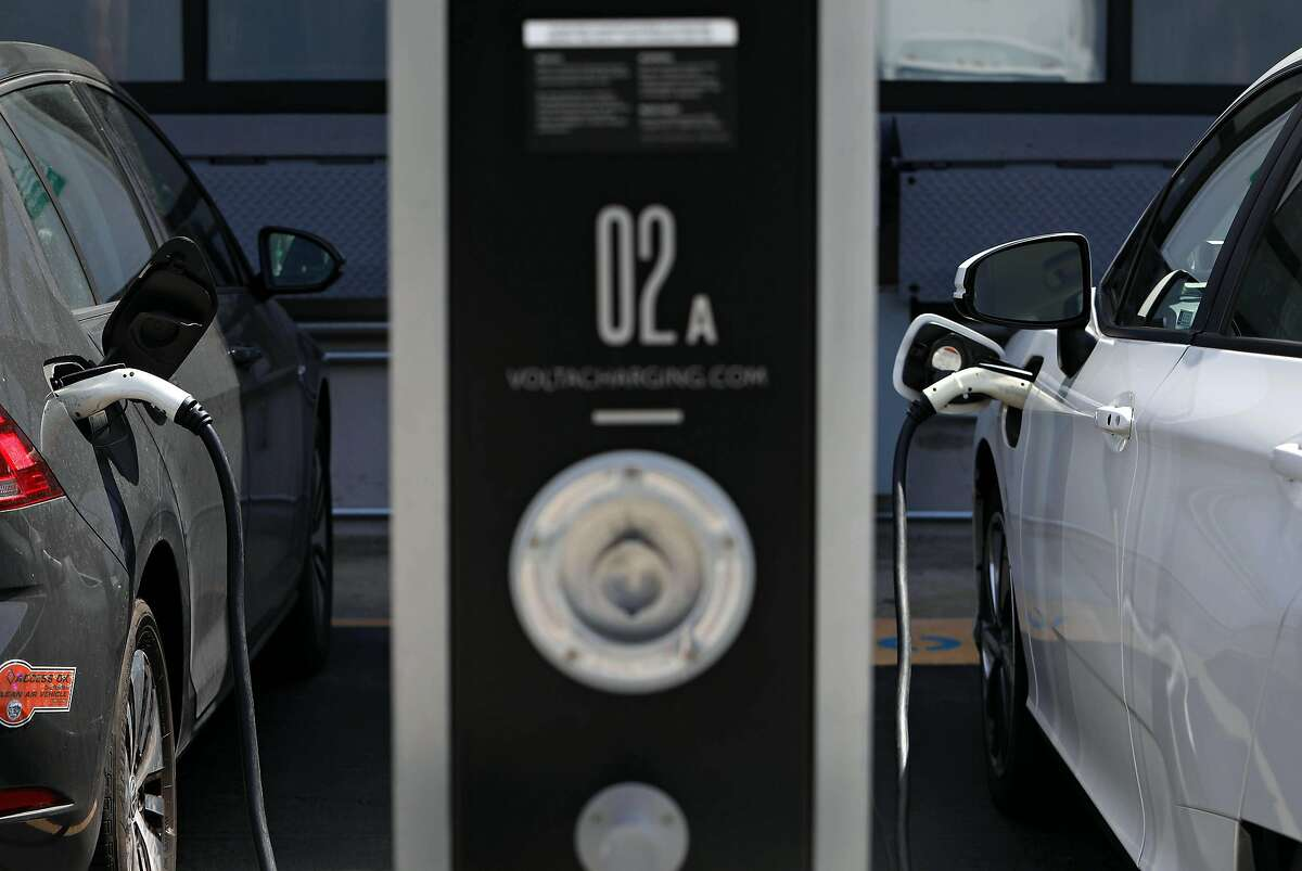 The state's rebate program for electric cars has run out money and will end unless the Legislature vetoes the governor's plan.
