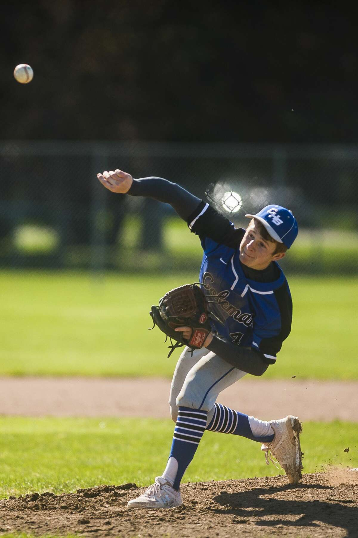Coleman's Ty Murray pitches the ball during the Comets' game against Sacred Heart Academy Friday, April 30, 2021 at Coleman High School. (Katy Kildee/kkildee@mdn.net)
