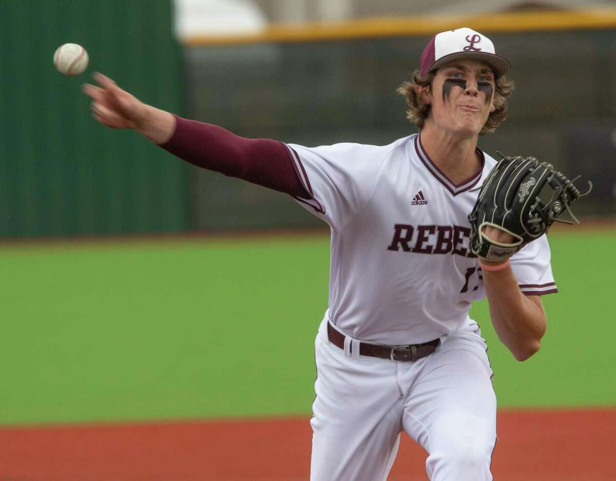 Lee high starting pitcher Chase Shores delives a pitch 04/30/2021 against Abilene High at Ernie Johnson Field. Tim Fischer/Reporter-Telegram