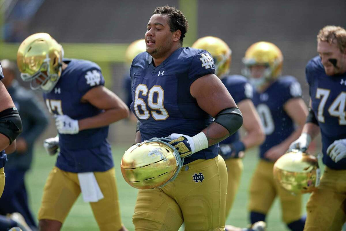 SOUTH BEND, IN - APRIL 13: Notre Dame Fighting Irish offensive lineman Aaron Banks (69) looks on in action during the Notre Dame Football Blue and Gold Spring game on April 13, 2019 at Notre Dame Stadium in South Bend, IN. (Photo by Robin Alam/Icon Sportswire via Getty Images)
