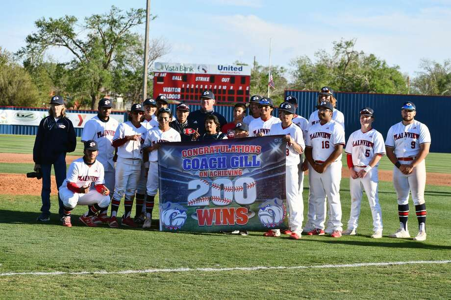 Plainview defeated Amarillo Palo Duro 15-3 in a District 3-5A baseball game on Friday at Bulldog Park. The win was head coach Brandon Gilliland's 200th of his career. Photo: Nathan Giese/Planview Herald