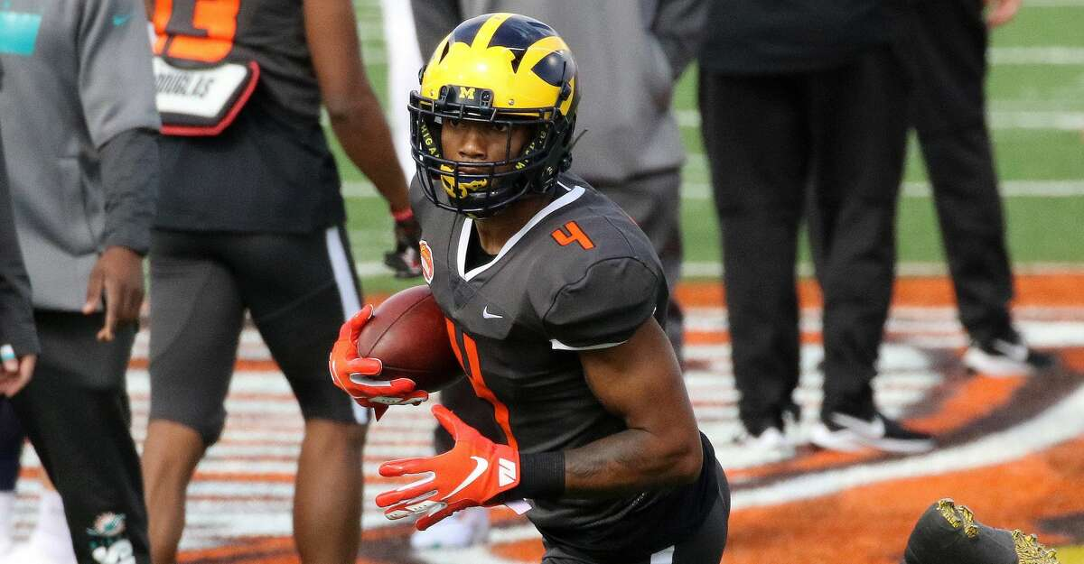 Wide receiver Nico Collins of Michigan (4) warms up for the 2021 Reese's Senior Bowl on January 30, 2021 at Hancock Whitney Stadium in Mobile, Alabama. (Photo by Michael Wade/Icon Sportswire via Getty Images)