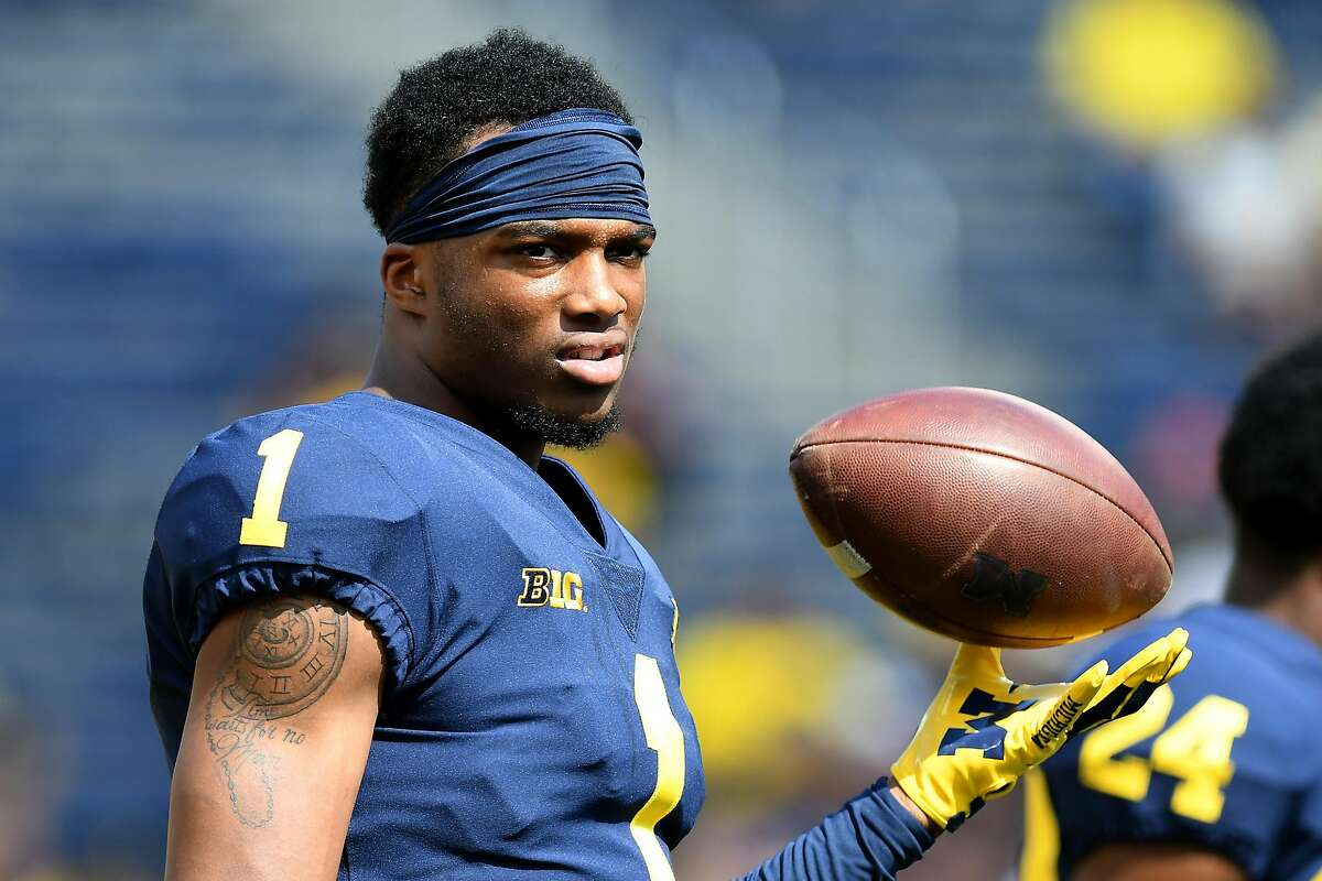 ANN ARBOR, MI. - SEPTEMBER 15: Michigan's Ambry Thomas during pre-game warmups before Michigan's 45-20 win over Southern Methodist University in a college football gameon September 15, 2018, at Michigan Stadium in Ann Arbor, MI. (Photo by Lon Horwedel/Icon Sportswire via Getty Images)