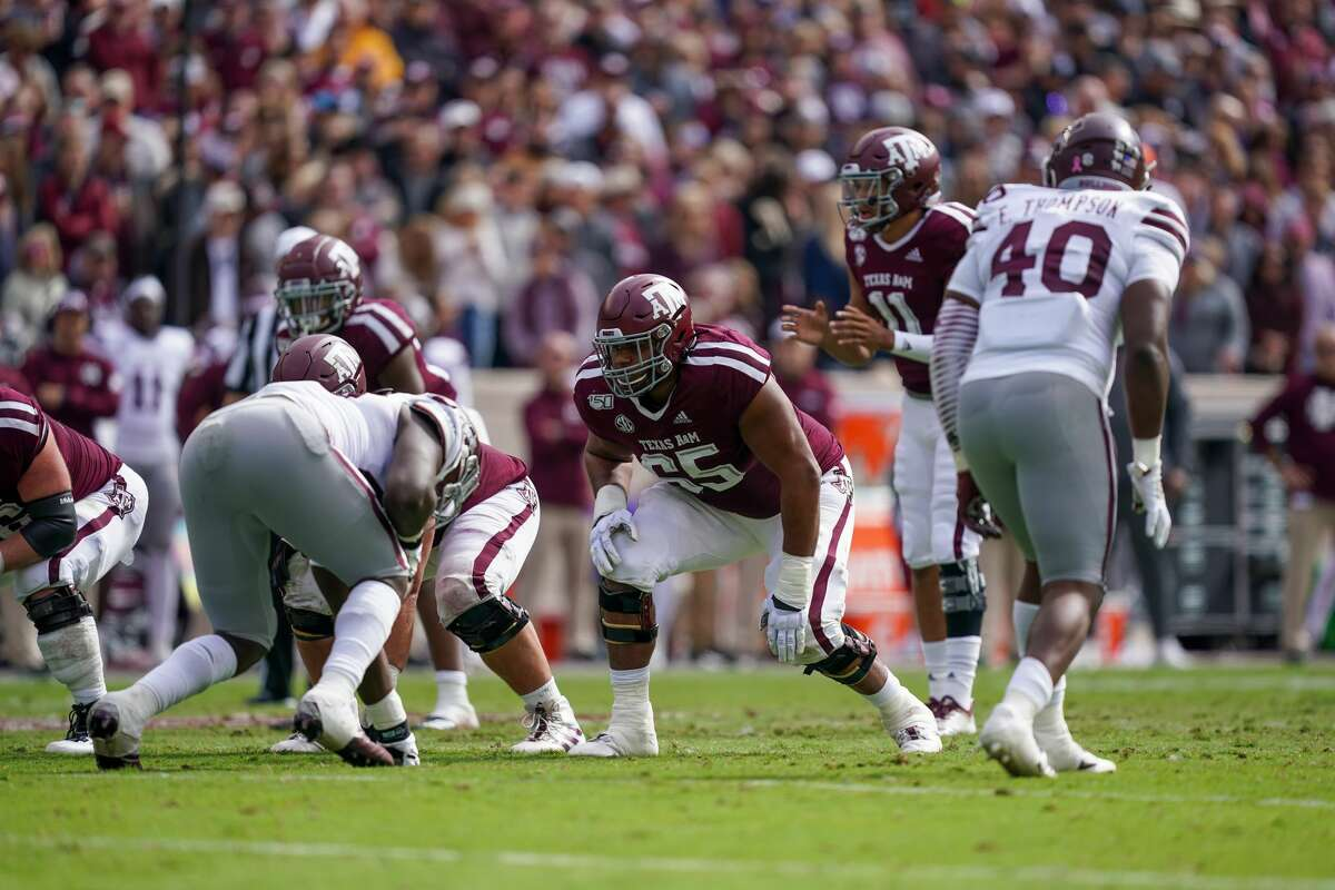COLLEGE STATION, TX - OCTOBER 26: Texas A&M Aggies offensive lineman Dan Moore Jr. (65) lines up during the college football game between the Mississippi State Bulldogs and the Texas A&M Aggies on October 26, 2019 at Kyle Field in College Station, TX. (Photo by Daniel Dunn/Icon Sportswire via Getty Images)