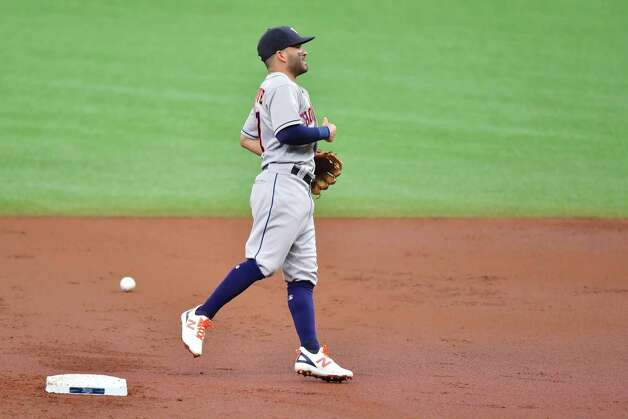 ST PETERSBURG, FLORIDA - MAY 01: Jose Altuve #27 of the Houston Astros misses an infield single off the bat of Manuel Margot of the Tampa Bay Rays in the first inning at Tropicana Field on May 01, 2021 in St Petersburg, Florida. Photo: Julio Aguilar, Getty Images / 2021 Getty Images