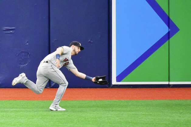 ST PETERSBURG, FLORIDA - MAY 01: Kyle Tucker #30 of the Houston Astros catches a fly ball off the bat of Brandon Lowe of the Tampa Bay Rays in the first inning at Tropicana Field on May 01, 2021 in St Petersburg, Florida. Photo: Julio Aguilar, Getty Images / 2021 Getty Images