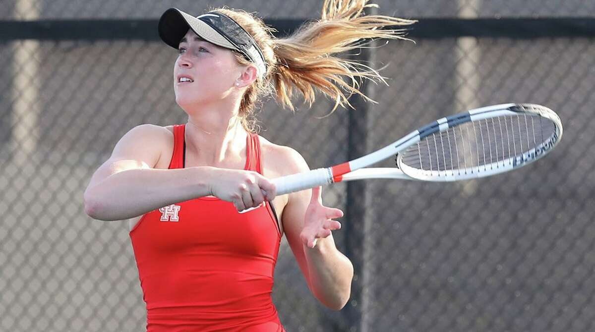 Alison Mills played one season of tennis at UH as a grad transfer. Her borther, Davis Mills, was Texans draft pick at quarterback.