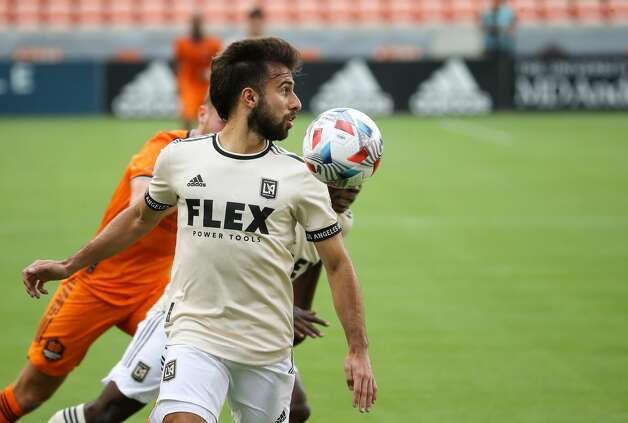Los Angeles FC forward Diego Rossi (9) catches up to a long pass during the first half of an MLS match against the Houston Dynamo at BBVA Stadium on Saturday, May 1, 2021, in Houston. Photo: Godofredo A Vásquez/Staff Photographer / © 2021 Houston Chronicle