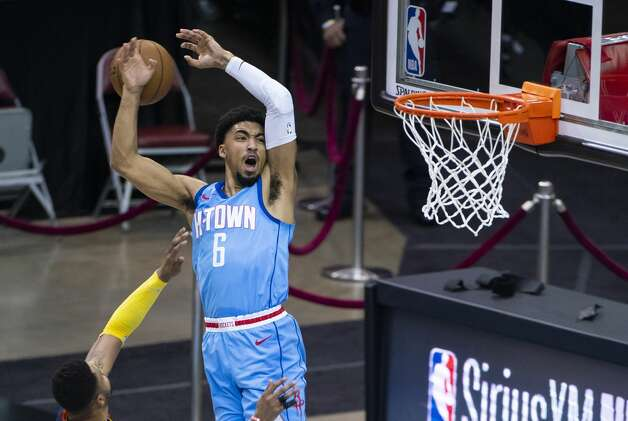 Houston Rockets forward Kenyon Martin Jr. (6) tries to catch a lob pass during the second quarter of an NBA game between the Houston Rockets and Golden State Warriors on Saturday, May 1, 2021, at Toyota Center in Houston. Photo: Mark Mulligan/Staff Photographer / © 2021 Mark Mulligan / Houston Chronicle